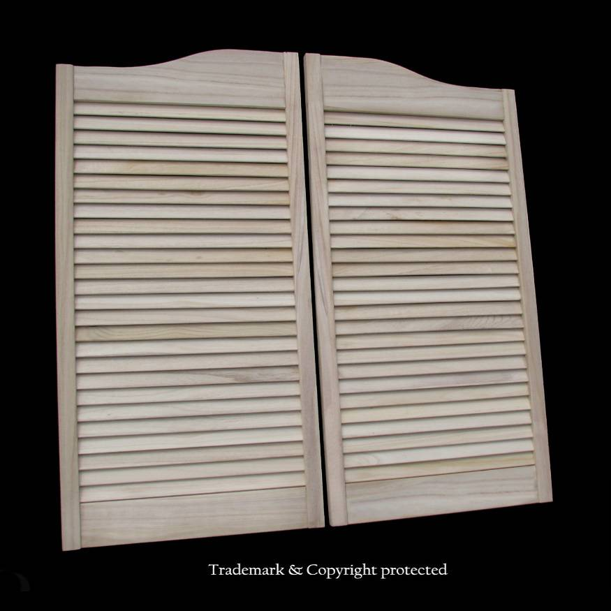 Louvered swinging door